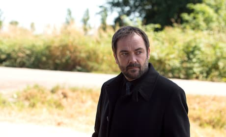 Crowley Looking Lovely - Supernatural Season 10 Episode 3
