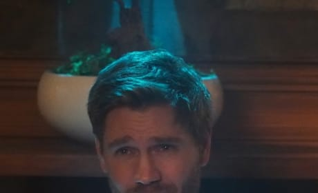 Enigmatic Leader - Riverdale Season 3 Episode 22