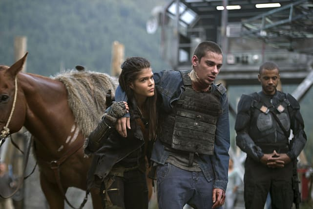 Octavia Supports Jasper - The 100 Season 3 Episode 1