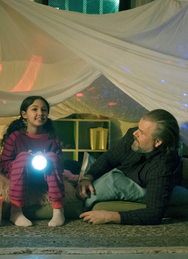 Daddy and Daughter Sleepover - Tall - New Amsterdam Season 1 Episode 15