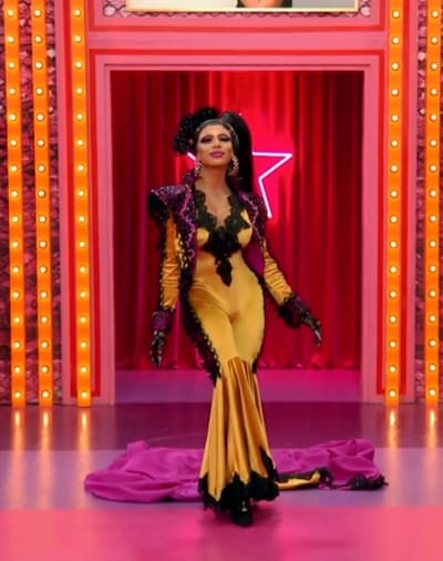 Serena ChaCha Werk Room Entrance - RuPaul's Drag Race All Stars Season 6 Episode 1