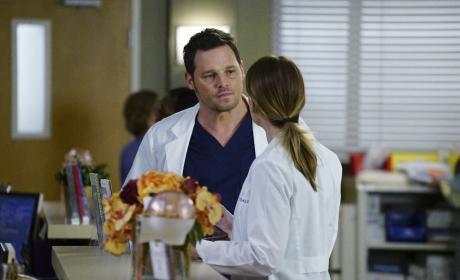 Pick a side - Grey's Anatomy Season 13 Episode 15