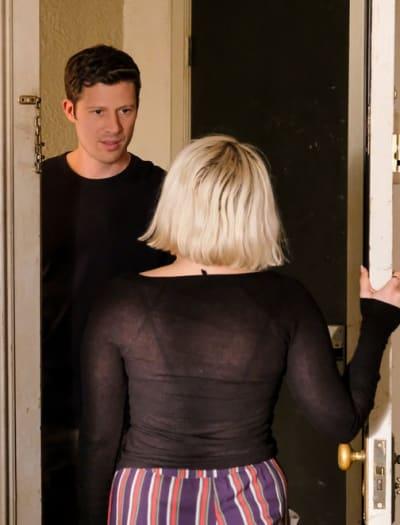 Knock At The Door - Tall - Good Girls Season 2 Episode 9