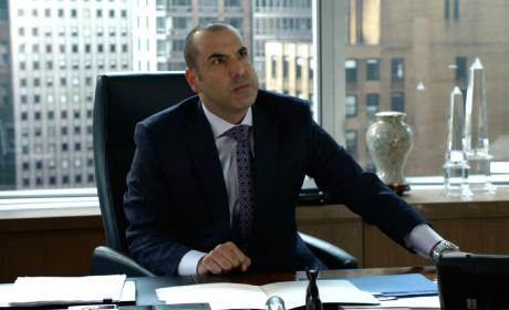 Suits Sneak Peek: Will Harvey Get Litt Up?