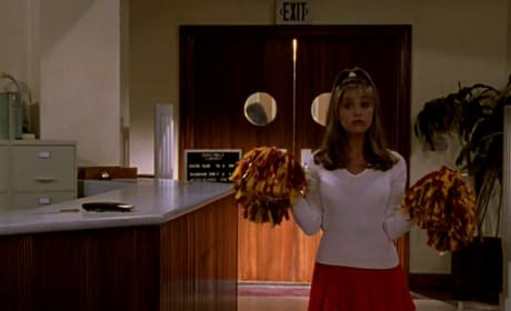 Buffy, The Cheerleader - Buffy the Vampire Slayer Season 1 Episode 3
