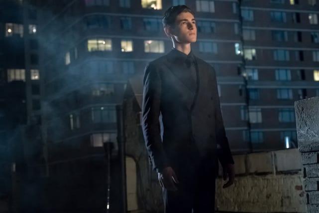 Bruce Admires Selina - Gotham Season 4 Episode 1