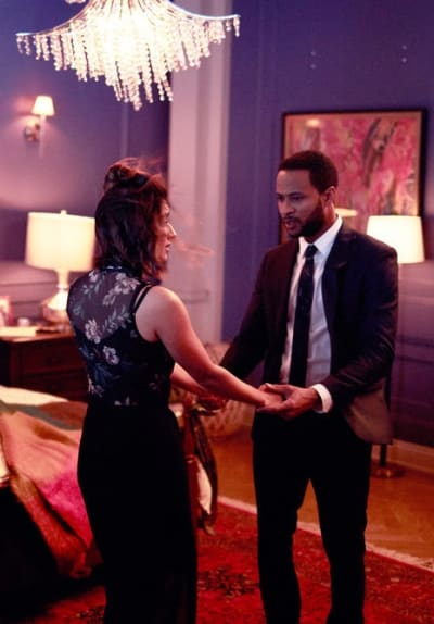 The Happy Couple - SurrealEstate Season 1 Episode 9