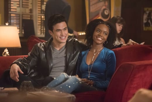 All Smiles - Riverdale Season 2 Episode 22