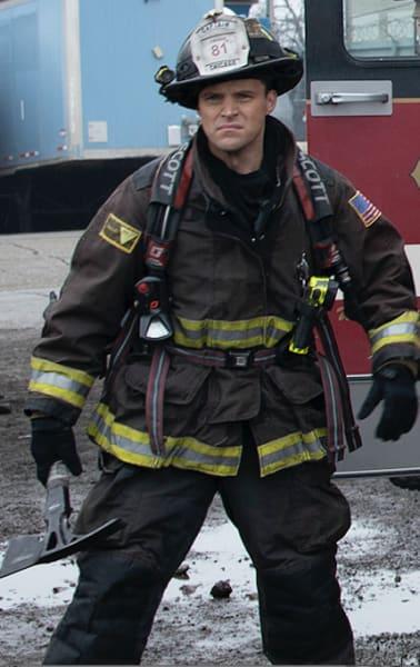 Casey on scene - Chicago Fire Season 8 Episode 20