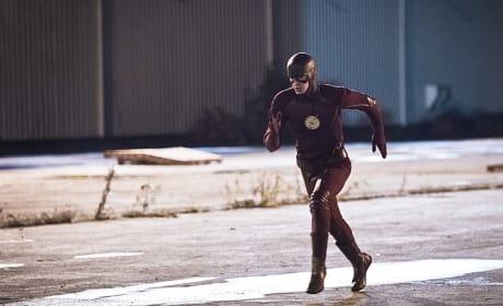 Run Some More - The Flash Season 2 Episode 12