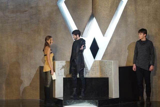 Crystal Ain't Impressed - Marvel's Inhumans Season 1 Episode 3