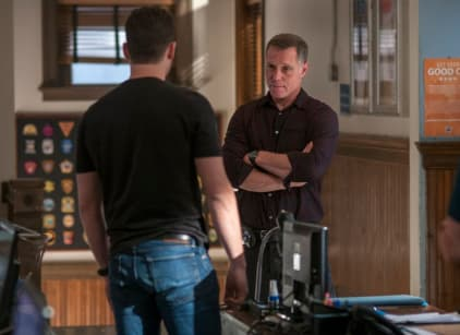 Watch Chicago PD Season 2 Episode 3 Online