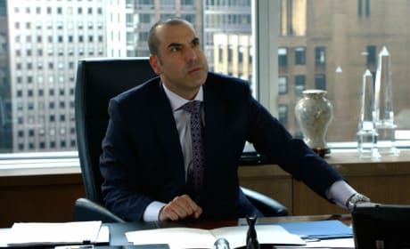 Suits Sneak Peek: Will Harvey Get Litt Up?