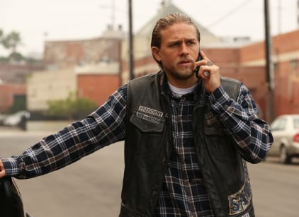 Watch Sons of Anarchy Season 7 Episode 12 Online