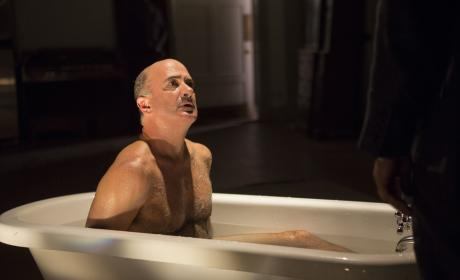 Naked and afraid - The Blacklist Season 4 Episode 5