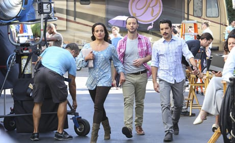 "The Crew of ""The Passions of Santos"" - Jane the Virgin Season 1 Episode 11"