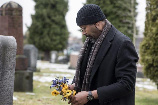 Flowers for Iris - The Flash Season 3 Episode 19