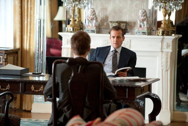 Watch Suits Season 1 Episode 1 Online - TV Fanatic