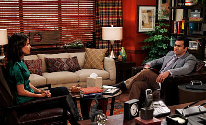 "How I Met Your Mother Review: ""The Stinson Missile Crisis"""
