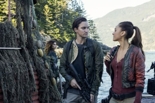"Strange ""Bedfellows"" - The 100 Season 4 Episode 4"