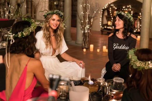 Broken Ring - Girlfriends' Guide to Divorce Season 3 Episode 1