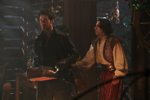 What's in the box? - Once Upon a Time Season 6 Episode 15