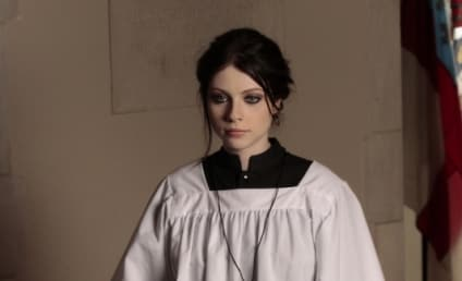 Michelle Trachtenberg to Stick Around Gossip Girl?