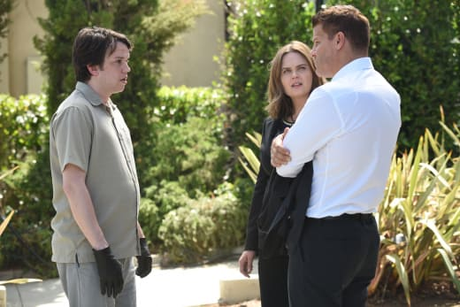 Does Zack Hate Booth? - Bones Season 12 Episode 1