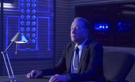 Martin Has a Plan - Black Lightning Season 1 Episode 13