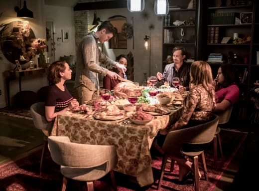 Barry Carves The Turkey - The Flash Season 5 Episode 7