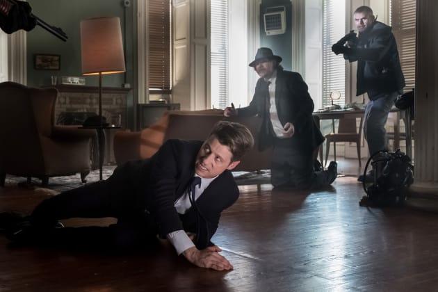 At Gunpoint - Gotham Season 4 Episode 1