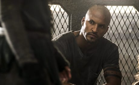 Lincoln in Lockup? - The 100 Season 3 Episode 8