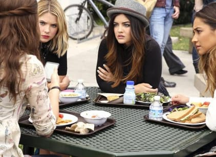Watch Pretty Little Liars Season 5 Episode 4 Online