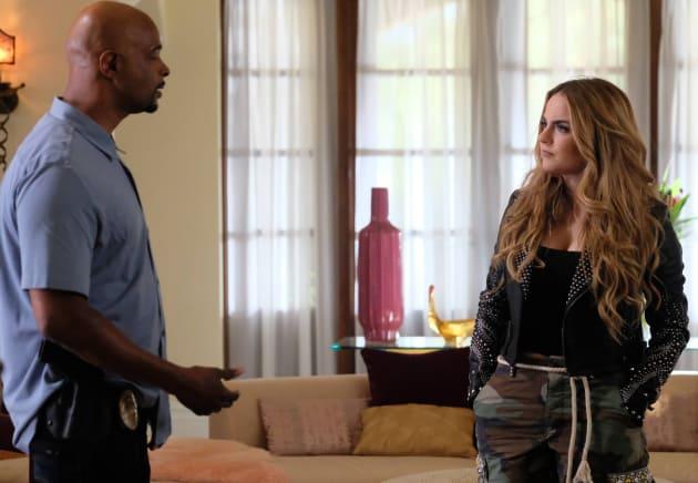 Murtaugh Asks Questions - Lethal Weapon Season 2 Episode 3