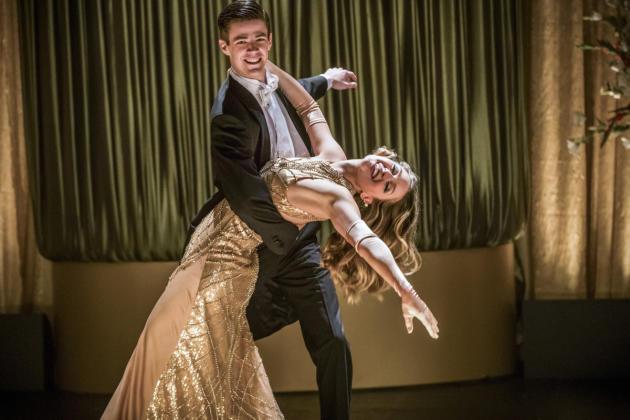 Singing and Dancing - The Flash Season 3 Episode 17