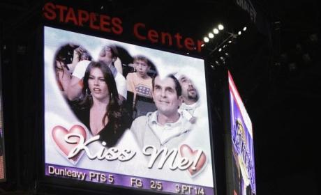 Kiss Cam Alert
