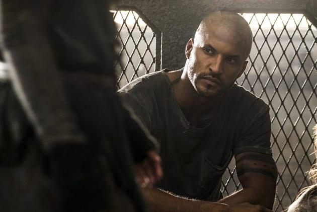 Lincoln in Lockup? - The 100 Season 3 Episode 8