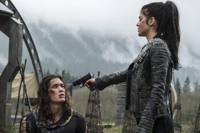 Punishing Ilian – The 100 Season 4 Episode 6