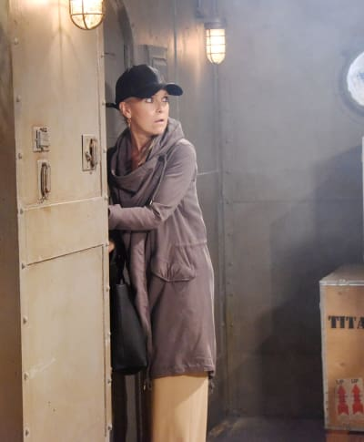 Jennifer Investigates at the Docks - Days of Our Lives