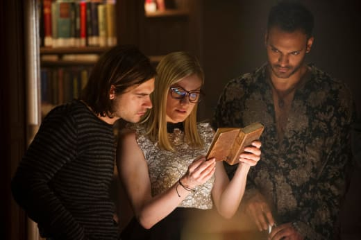 Reading Time - The Magicians Season 2 Episode 2