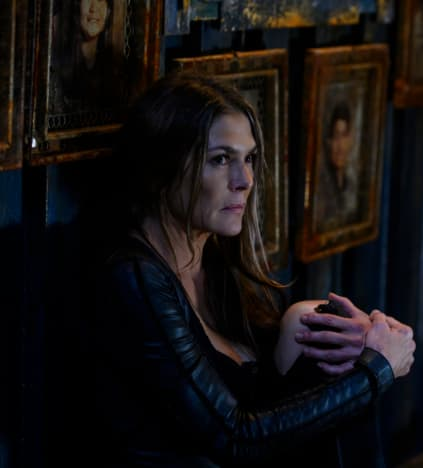 Abby Mourning - The 100 Season 6 Episode 10
