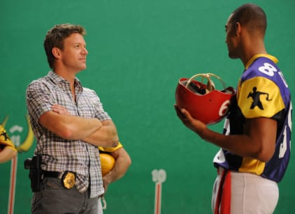 Watch The Glades Season 4 Episode 9 Online