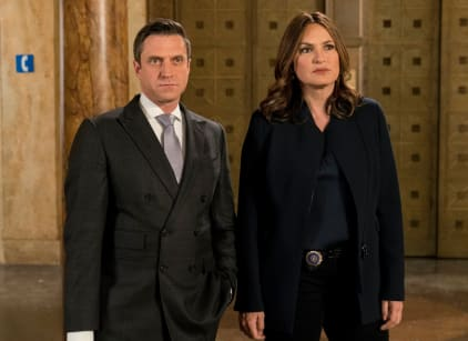 Watch Law & Order: SVU Season 18 Episode 19 Online