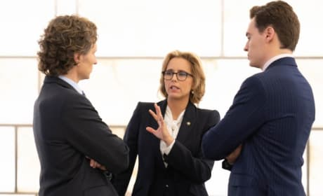(TALL) Trying to Resolve a Crisis - Madam Secretary Season 5 Episode 6