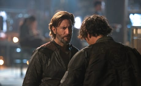 Kane Talks to Bellamy - The 100 Season 3 Episode 6