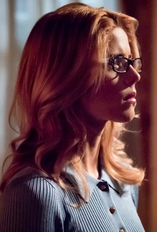 Arrow - Emily Bett Rickards is OUT