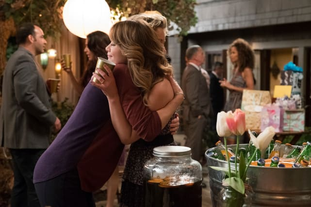 Emma and Stef Hug It Out - The Fosters Season 5 Episode 8