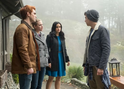 Weekend Getaway - Riverdale Season 2 Episode 14