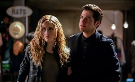 Brother and Sister  - Arrow Season 7 Episode 15