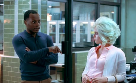 Clive Lays Down the Law - iZombie Season 4 Episode 2